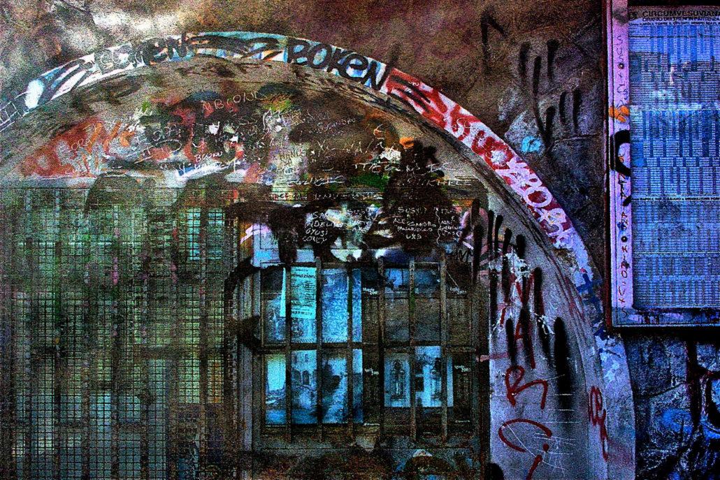 The walls speak | Circumvesuviana | 2006 | Naples | Italy